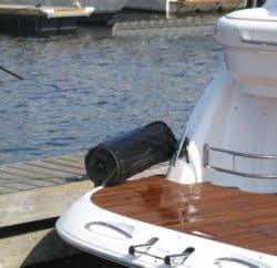 fender-up-on-dock