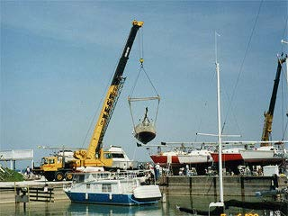 This image has an empty alt attribute; its file name is crane-launch.jpg